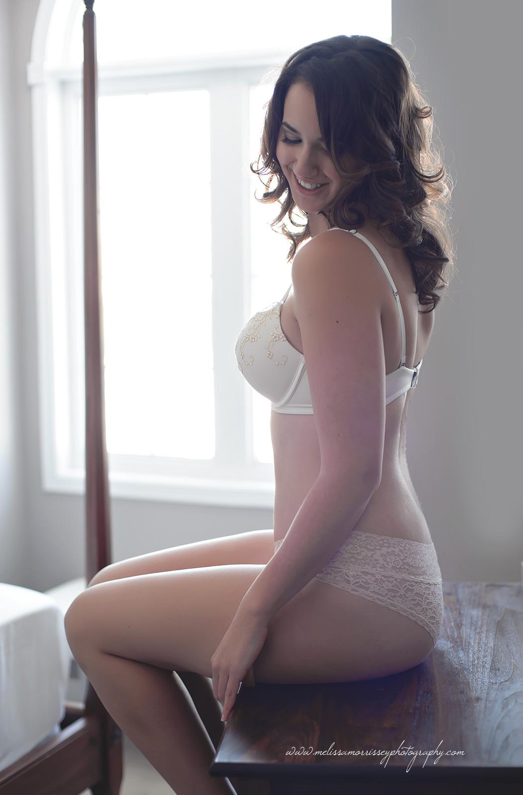 https://www.melissamorrisseyphotography.com/wp-content/uploads/2014/01/Ottawa-Boudoir-Glamour-Photographer-Melissa-Morrissey-31.jpg
