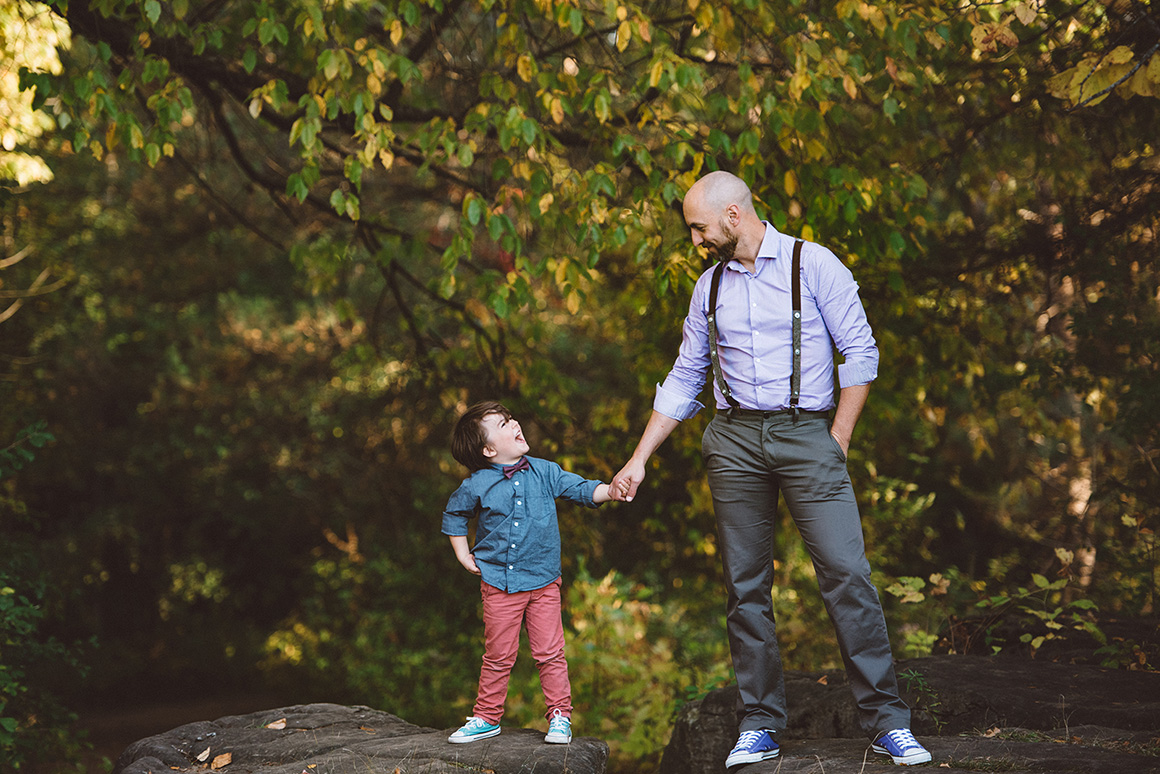 son and dad holding hands ottawa photograper